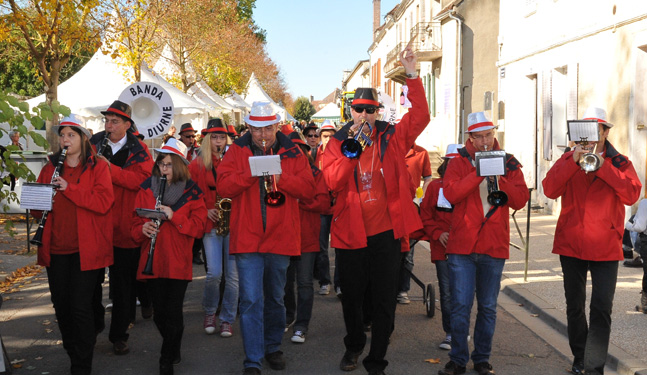 A parade in the streets of Chablis