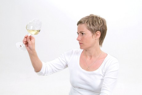 The right way to taste Chablis wines//Chardonnay/Bourgogne/Burgundy/French wine/